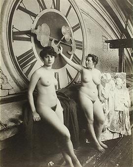 vintage-naked-clock